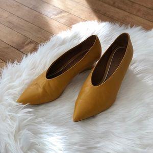 zara | 🔶 v shape cut leather shoes 🔶